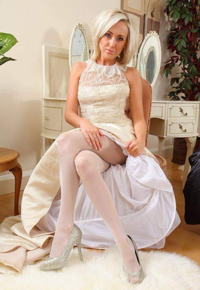 Pantyhose for brides