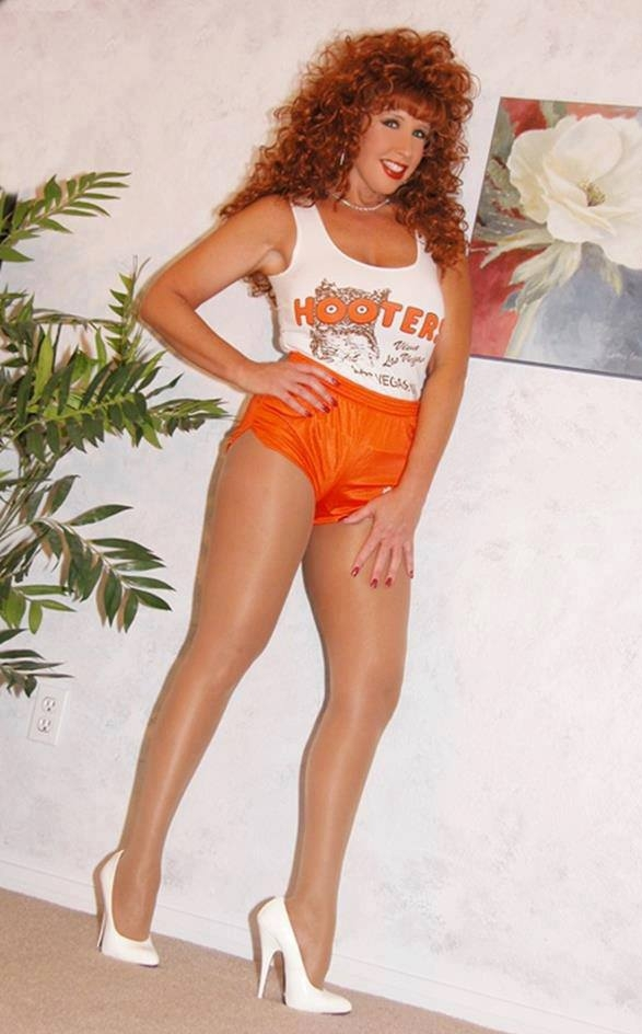 Hooters shiny pantyhose