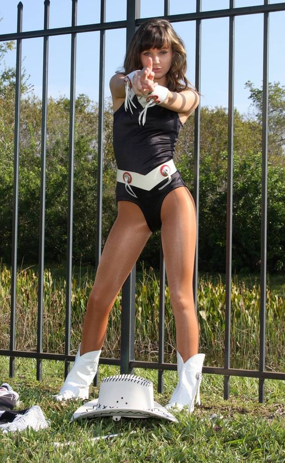 Majorettes and pantyhose