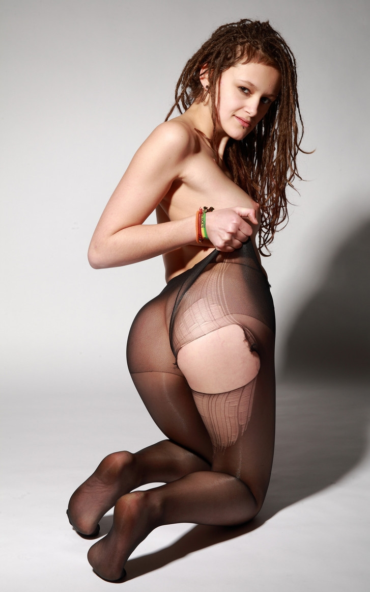 wearing black pantyhose Females