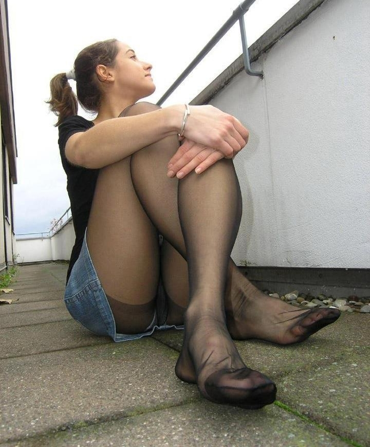 Mini skirt pantyhose